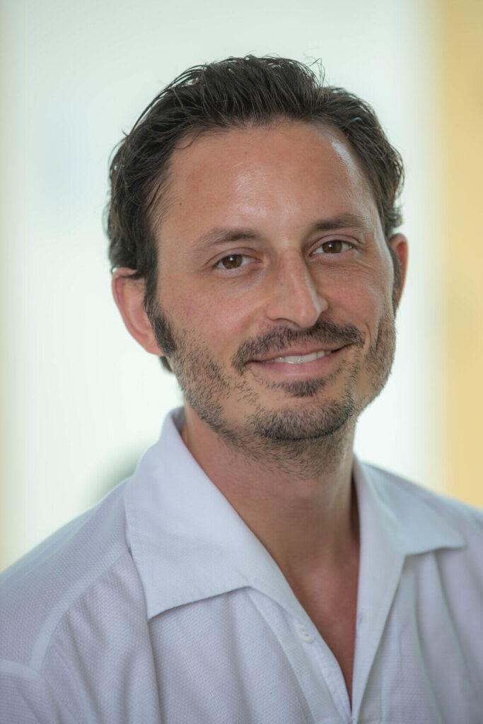 Dr. Mayr